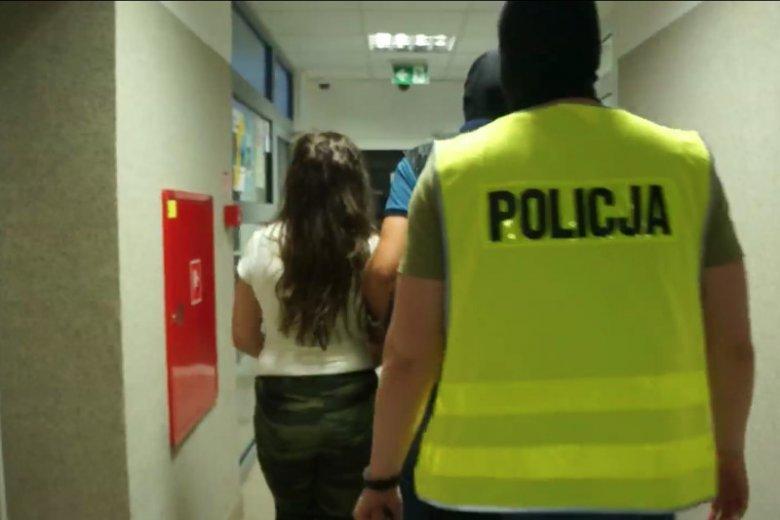 Zatrzymana pod eskortą policji