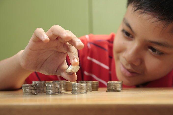 Dziecko nie ma obowiązku wiedzieć, że garść jednogroszówek, będzie miała mniejszą wartość niż jedna moneta o nominale 2 zł.