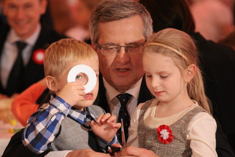Prezydent przygotowuje ustawę, która ma ułatwić godzenie obowiązków rodzinnych z zawodowymi