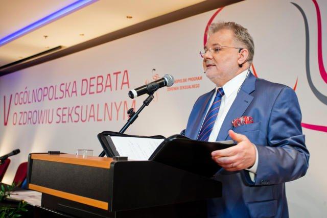 Zbigniew Izdebski jest pedagogiem i seksuologiem.