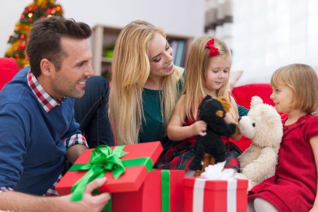 Kopacz rozdaje obietnice z taką samą łatwością, jak Mikołaj prezenty