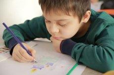 Gdy dziecko nie radzi sobie zbyt dobrze w szkole, okaż mu wsparcie