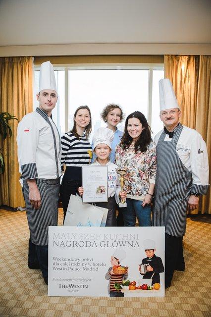 Uroczystość wręczenia nagród w konkursie Mały Szef Kuchni. Druga od lewej: Anna Kowalczyk, redaktor naczelna portalu MamaDu.pl