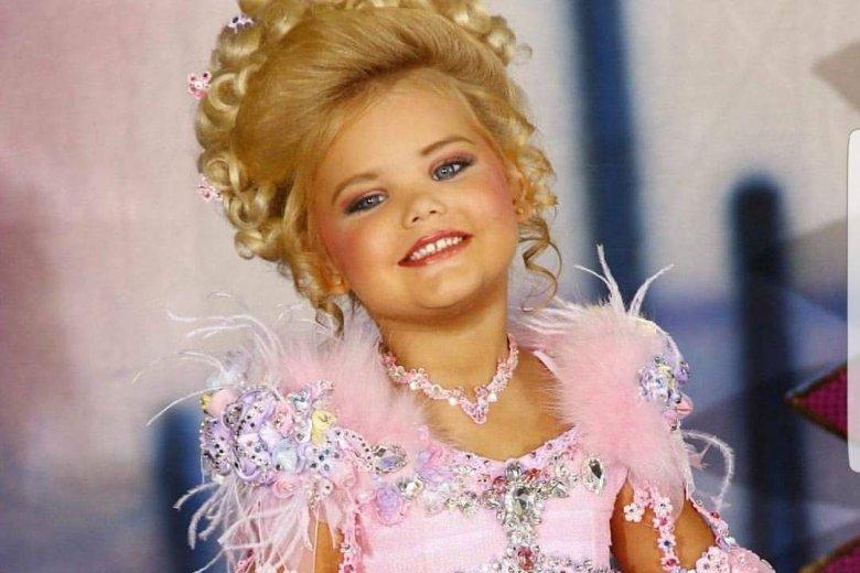 Eden Wood w wieku 6 lat miała na koncie ponad 300 wygranych konkursów piękności.