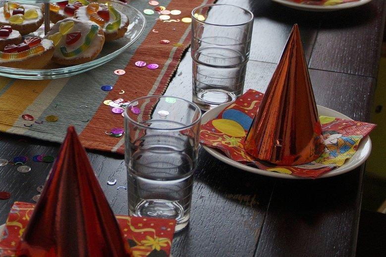 Co robić do jedzenia na kinder party?