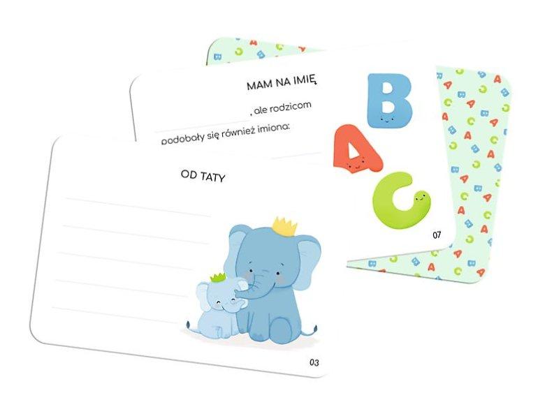 W pudełku Kart Wspomnień znajdziemy 2 karty, na których tata lub mama mogą napisać dedykacje dla swojej pociechy