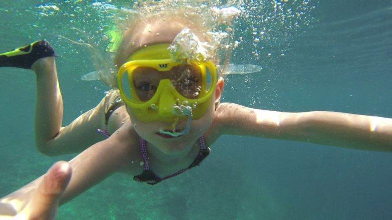 Najmłodsza reporterka świata jak określana jest Nela szukała w głębinach żółwi morskich.