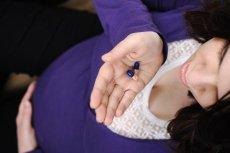Podanie antybiotyków w czasie ciąży czasami jest niezbędne. Ale może to zwiększyć ryzyko otyłości u dziecka.