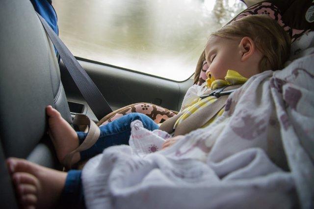 W samych Stanach Zjednocoznych w rozgrzanych samochodach umiera 40 dzieci rocznie