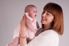 Bohaterka tego artykułu urodziła dziecko dzięki komórce jajowej otrzymanej od dawczyni