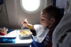Dla dziecka podróż samolotem bez rodziców może być albo wielką frajdą albo dużym stresem.
