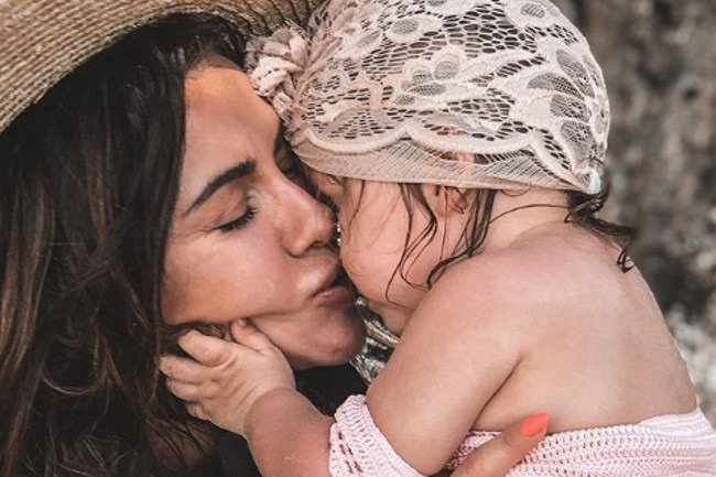 Obserwatorki zarzuciły Natalii Siwiec, że naraża córkę na oparzenia słoneczne