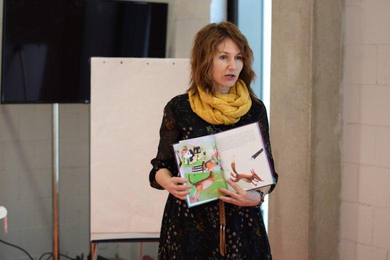 """Agata Widzowska, autorka """"Psierocińca"""", cyklu ilustrowanych książeczek dla dzieci, opowiadających o psich mieszkańcach schroniska i ich przyjaciołach"""