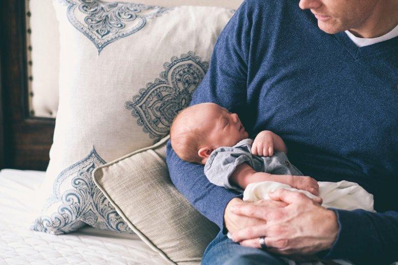 Jeśli dziecko jest podobne do ojca, mężczyzna spędza z nim więcej czasu