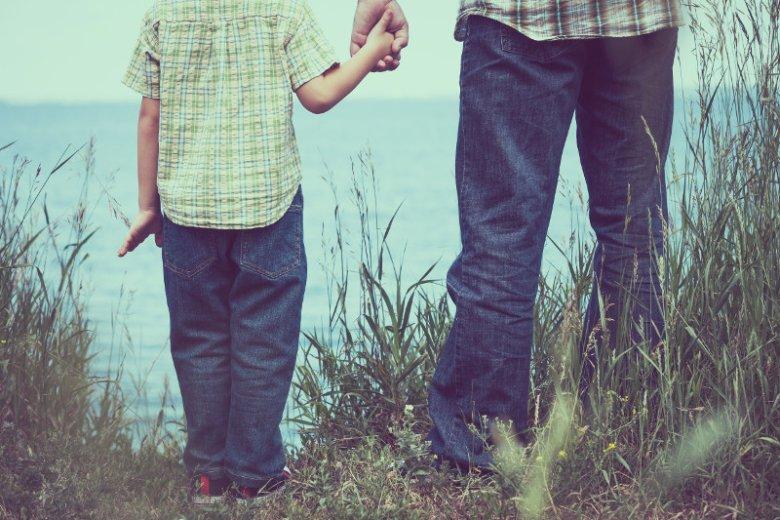 10 spraw, o których musisz porozmawiać z synem.