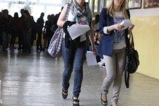 Rząd brytyjski funduje uczennicom tampony i podpaski. Tak walczy z tabu i ubóstwem