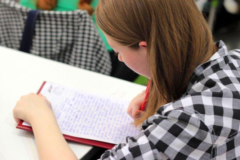 Uczeń na lekcji – co robić, gdy nie słucha?