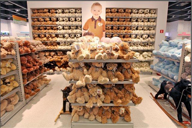 Kwintesencja misiostwa.  25 listopada w sklepach SMYK będzie wielu solenizantów.