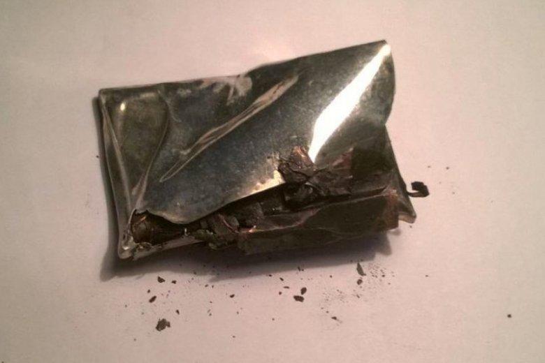 Coraz częściej dochodzi do sytuacji, że wybuchają baterie w smartfonach.