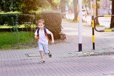 Jak zapewnić pociechom bezpieczeństwo? Oto 5 gadżetów, dzięki którym dziecko będzie bezpieczniejsze, a rodzice spokojniejsi o zdrowie syna czy córki