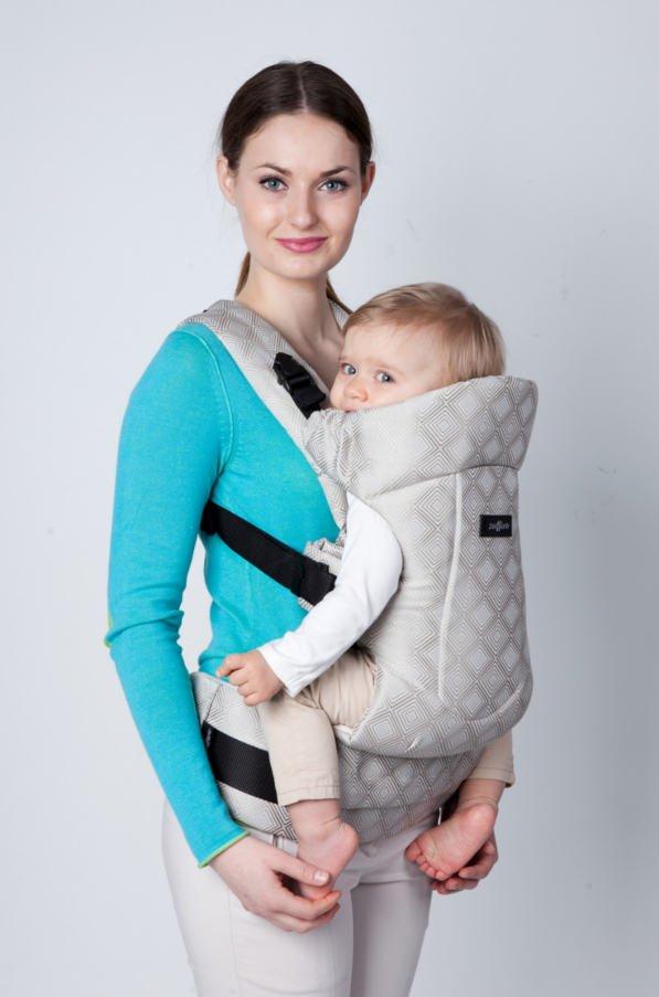 Nosidło ergonomiczne - bezpieczne dla kręgosłupa dziecka i rodzica.