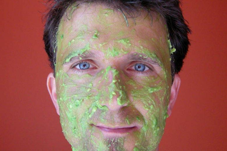 Maseczka z awokado i oliwy polecana jest także przez mężczyzn o suchej i wrażliwej skórze. Podobno łagodzi podrażnienia po goleniu!