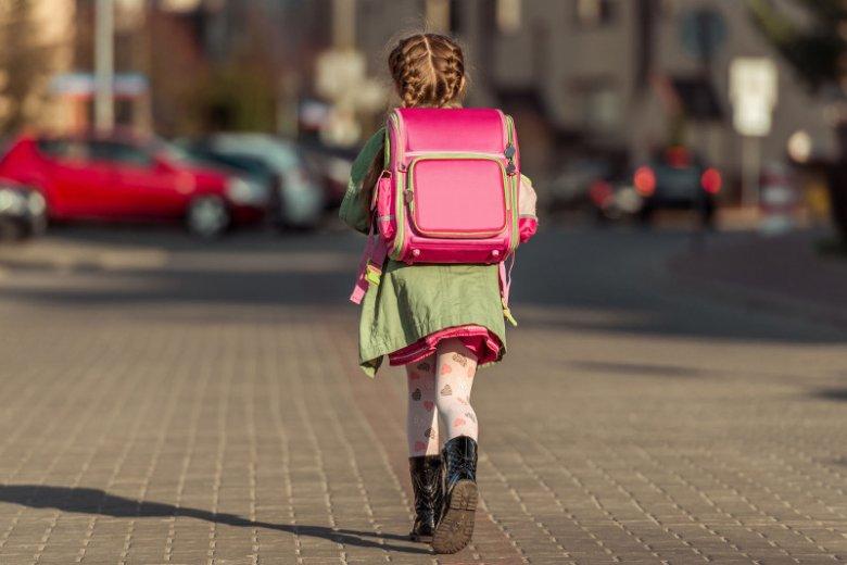 Plecak ucznia klas 1-3 waży średnio 6-7 kilogramów