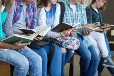 Podczas warsztatów uczennice rozmawiały o dojrzewaniu