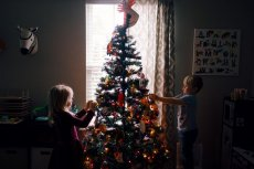 Jak nauczyć dziecko wdzięczności w święta Bożego Narodzenia