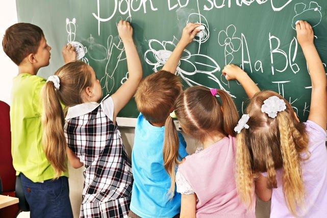 Scamerzy wmawiają uczniom, że będą musieli chodzić do szkoły w sobotę