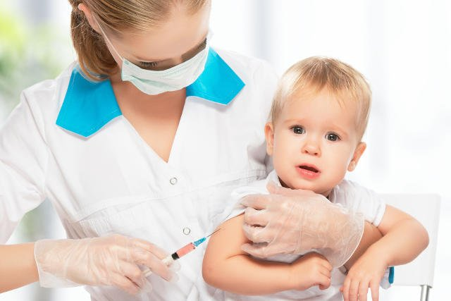 Polski kalendarz szczepień jest przestarzały. Wciąż nierefundowane pozostają szczepienia przeciwko pneumokokom i meningokokom.