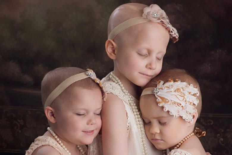 Takie zdjęcia dowodzą, że to dzieci często są silniejsze, niż niejeden dorosły.