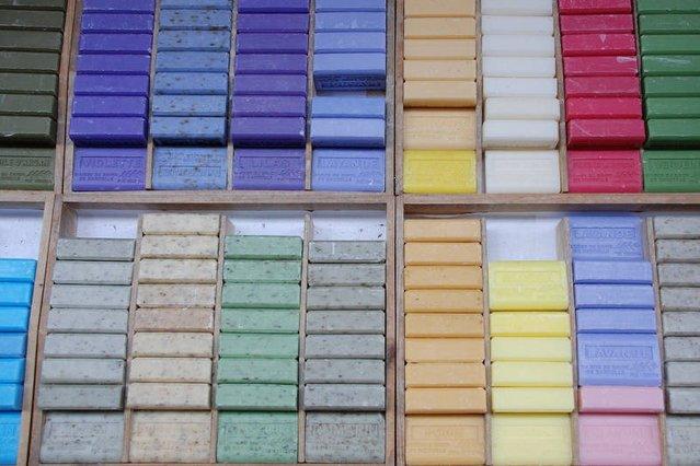 Dziś można kupić mydła we wszystkich kolorach tęczy. Najzdrowsze są oczywiście te o najkrótszej liczbie składników
