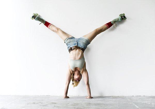 """""""Dla mnie, jako trenerki i instruktorki sportów siłowych, teraz joga jest jak ciepły koc, kanapa i książka""""."""