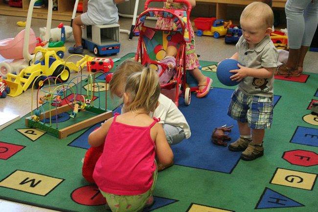 Spotkali się 2-latek z 3-latkiem. Bez policji nie mogło się obejść...