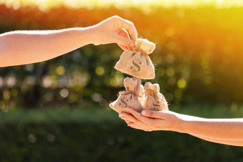 Komunia to dobra okazja do rozpoczęcia bardziej zaawansowanej edukacji finansowej z dzieckiem