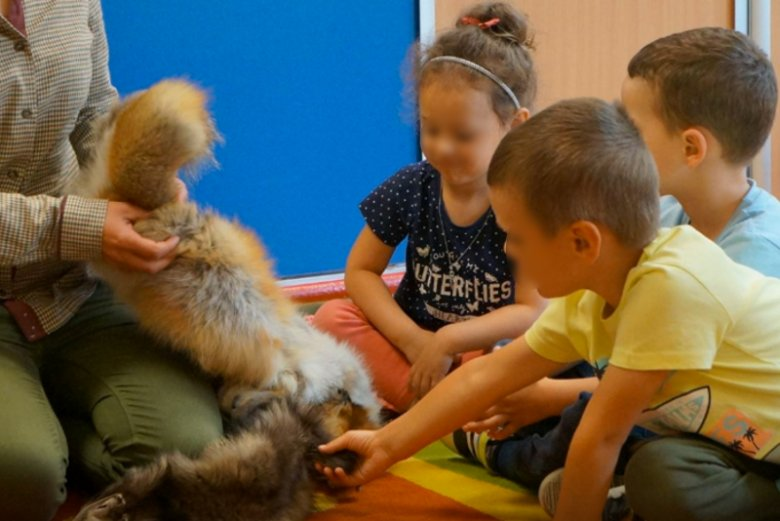 Kontrowersyjne warsztaty w przedszkolu z myśliwymi.