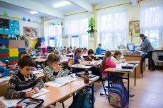 Nowe statuty w szkołach określą jak mają ubierać się dzieci i jakie uczniowie będą mieć prawa.