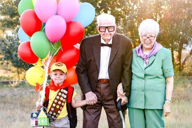 Zdjęcia tego 5-latka i jego pradziadków zachwyciły świat!