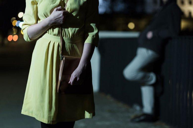 Molestowanie seksualne: kogo obwiniają mężczyźni?