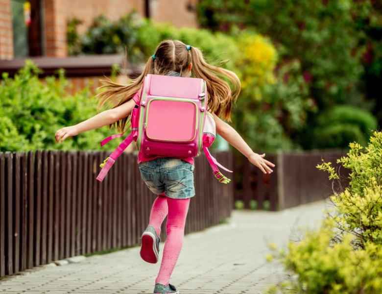W jakim wieku dzieci mogą same wracać ze szkoły do domu?