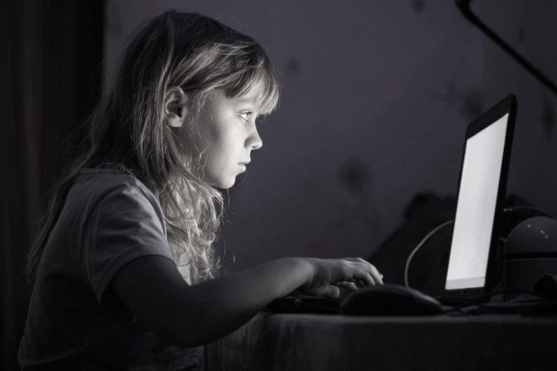 Nieznane osoby namawiają dzieci do odbierania sobie życia.