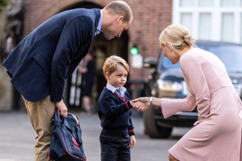 Książę George z tatą.