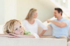 """""""Dorośli myślą, że dzieci ich kłótni nie słyszą, albo nie rozumieją."""""""