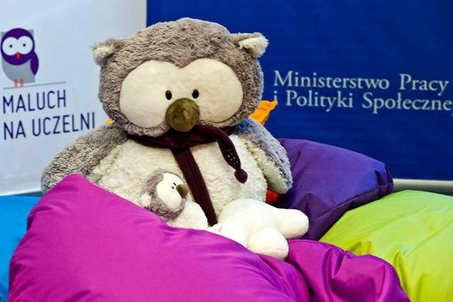 Rząd obiecuje, że od przyszłego roku łatwiej będzie pogodzić studia z wychowywaniem dzieci