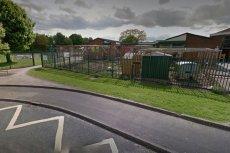 Szkoła Wednesbury Oak Academy, segregacja dzieci