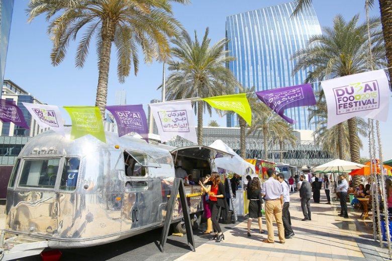 Dubai Food Festival to doroczne święto kulinarne Dubaju, promujące potrawy najróżniejszych kuchni