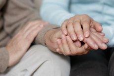 Syndrom zimnych dłoni – z czego wynika?