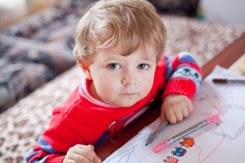 Warto uczyć dziecko obowiązków od najmłodszych lat.