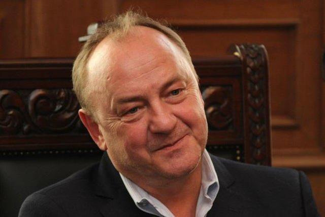 """Janusz Leon Wiśniewski jest autorem nowej książki napisanej wspólnie ze Zbigniewem Izdebskim """"Intymnie. Rozmowy nie tylko o miłości""""."""